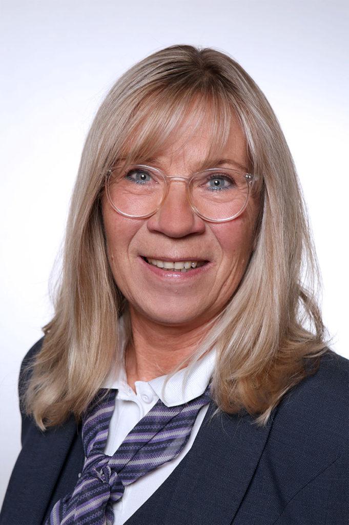 Bestattungshaus Portrait Anita Teammitglied Reinbach