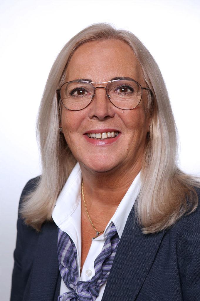 Bestattungshaus Portrait Birgitt Teammitglied Reinbach