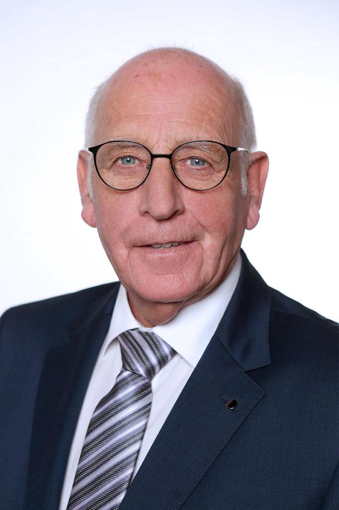 Bestattungshaus Portrait Heinz Teammitglied Reinbach